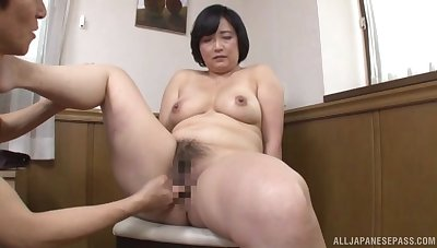 Japanese mature works young inches all over both her hairy holes