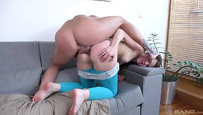 Big gumshoe and hardcore fucking for a redhead anal gaping girl