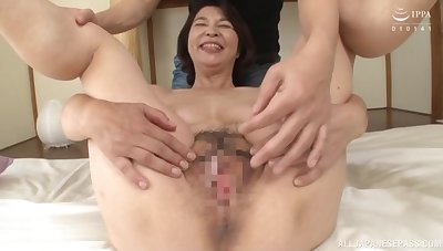 Asian mature with hairy pussy, sensual cam porn