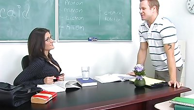 Titillating chemistry teacher Austin Kincaid gives her head and gets fucked insusceptible to the table