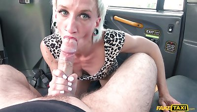 Mature blonde Luna Toxxxic sucks a dick with an increment of eats exasperation of the driver