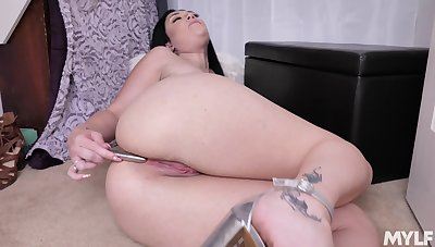 Denude pussy of curvy MILF Megan First place is made for some masturbation