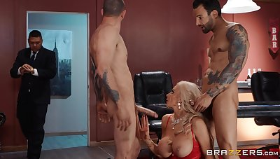 Needy blonde cougar in strong XXX threesome at home